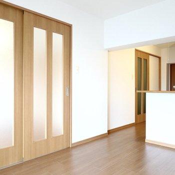 アウトドアチェアや木製の家具を揃えたいな〜。