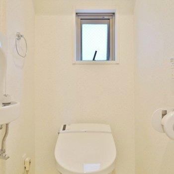 トイレのスペースもひろ~い!(※写真は3階の同間取り別部屋のものです)