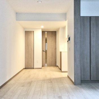 【LDK】家具の配置に悩みますね。※写真は2階の同間取り別部屋のものです