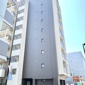 9階建てマンション。今回のお部屋は最上階です!