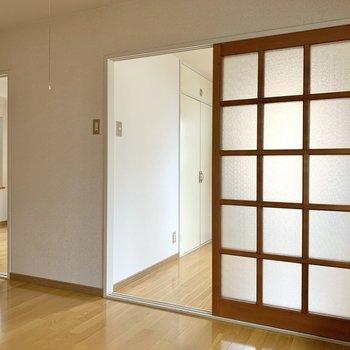 【K】キッチンからチラッとそれぞれのお部屋の様子がわかります。