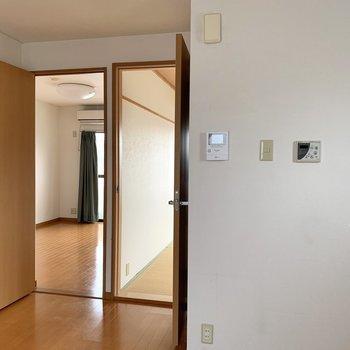 【DK】2部屋を見ていきましょう。