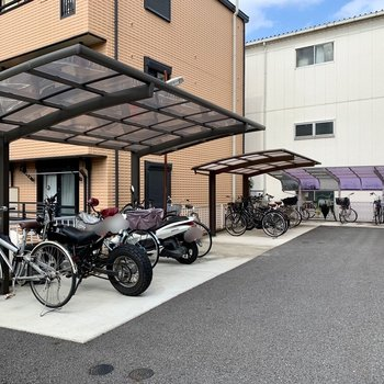 駐輪場、バイク置き場付きです(空き要確認)。