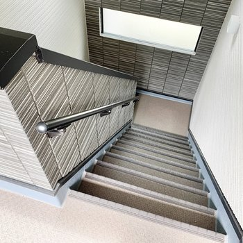共用部】1階分こちらの階段で。