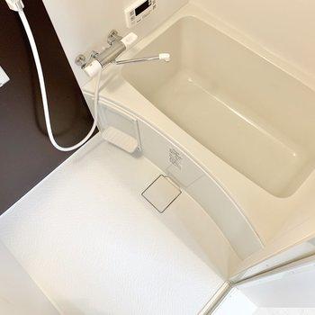 お風呂には追い焚き機能です!