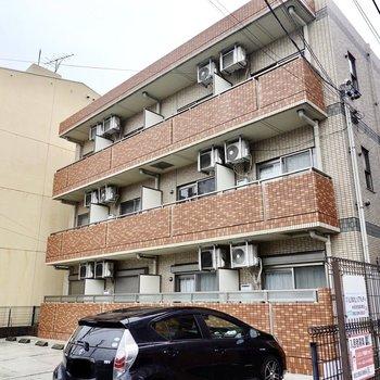 3階建てマンションの最上階・角部屋です!