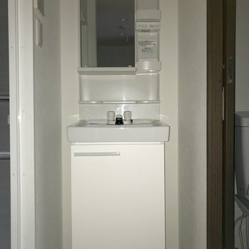 しっかりと収納部分が確保されていて便利です。※写真は1階の同間取り別部屋のものです
