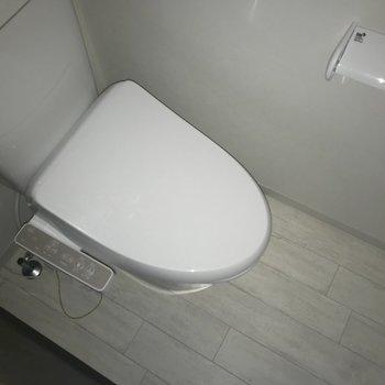 トイレバスが分かれています。こだわっている方にも嬉しいポイントです。※写真は1階の同間取り別部屋のものです