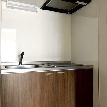 木目調の温かみのあるデザインですね。※写真は1階の同間取り別部屋のものです