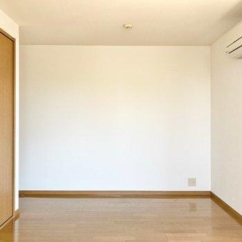 【約8帖洋室】1番広い洋室です。子供部屋でしょうか……。