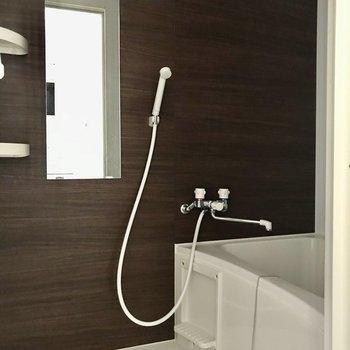 大人シンプルな浴室ですね。※写真は2階の反転間取り別部屋のものです