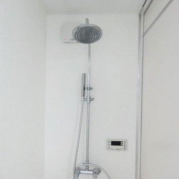 【1F】シャワーヘッドかっこいい…※写真は前回募集時のものです。