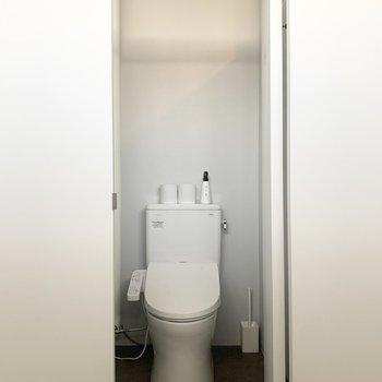 【トイレ】温水洗浄便座です。
