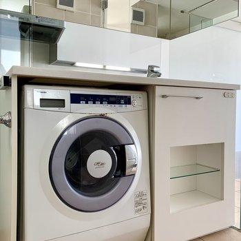 ドラム式洗濯機が付いてくるのは嬉しいポイント。