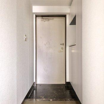 玄関横スペースにも余裕があります。