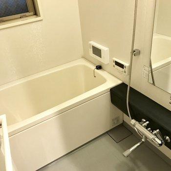 浴室にテレビ!!!長風呂確定かな?笑(※写真は3階同間取り別部屋のものです)