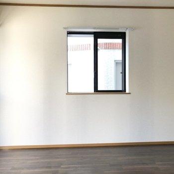 【洋室】壁際にソファを置いたり、レイアウトもしやすいのが嬉しいな。