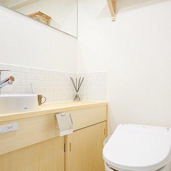 トイレと洗面台はセットでも気にならず!(※写真は別部屋のモデルルームのものです)