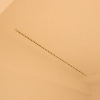 オシャレアイテム・ライティングレール付き(※写真は2階の同間取り別部屋のものです)