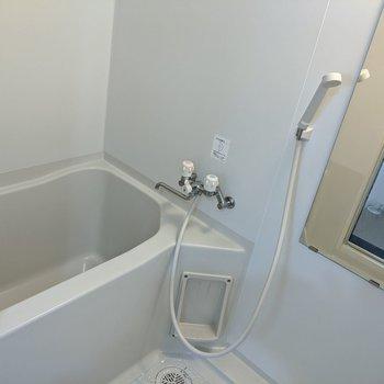 しっかりと浴槽付きのお風呂