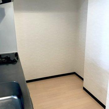 キッチン周りもゆとりがあります。※写真は3階の同間取り別部屋のものです
