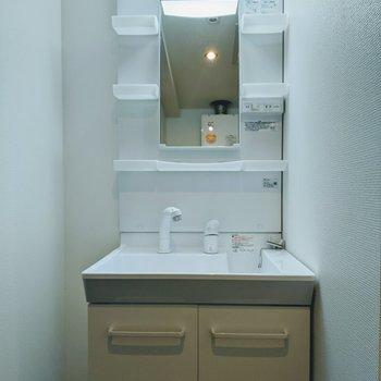 独立式洗面台シャンドレタイプ