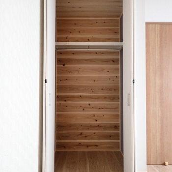 1階洋室5.5帖】高さもあるので、ボックスで整理しましょう!