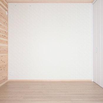 1階洋室5.5帖】グリーンがとっても似合いそう。