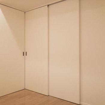 【洋室】広すぎず、丁度いいサイズ感です。