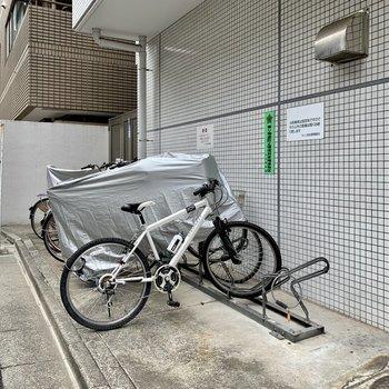 駐輪場もあるので、お出かけの範囲も広がりますね。