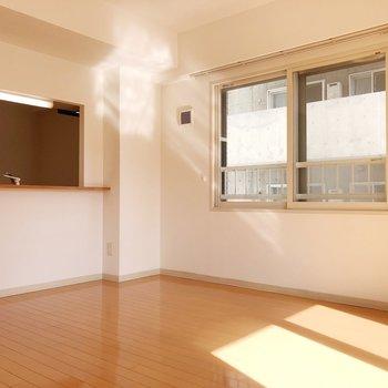 【LD】インテリアにはアースカラーのものやナチュラルテイストを取り入れると癒しの空間をつくれます。
