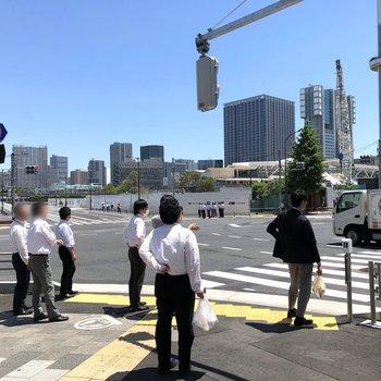 新しい高輪ゲートウェイ駅も徒歩で行けますよ。