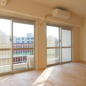 【イメージ】横長のお部屋なので光が沢山入ります。