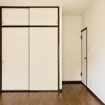 【洋室2】※写真は1階の同間取り別部屋のものです
