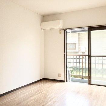 【洋室1】※写真は1階の同間取り別部屋のものです