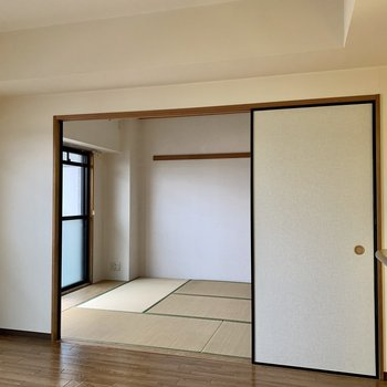【LDK】お隣の和室へ。