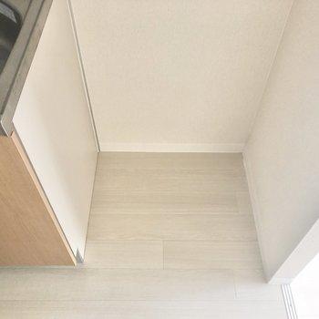 冷蔵庫はお隣に。