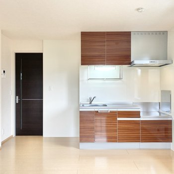 【LDK】キッチンも広いですよ。