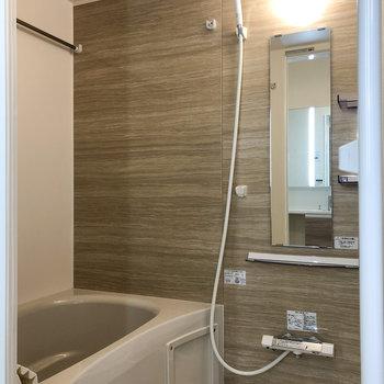 浴室乾燥機付きで雨の日の室内干しに便利◎
