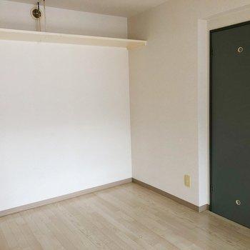 こちらは6帖の洋室部分。