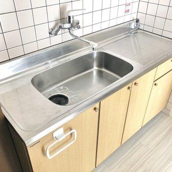 シンクが広いと洗い物も捗りますよね。