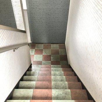階段も綺麗に整備されていました。