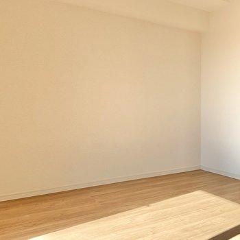 こちら側にテレビが置けそうです※写真は7階の同間取り別部屋のものです