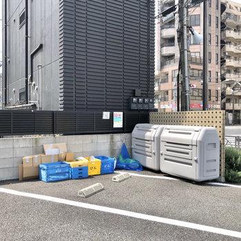 ゴミステーションは敷地内に。
