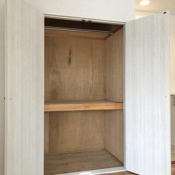【LDK】大きめの荷物もすっぽりと。※写真は3階の同間取り別部屋のものです