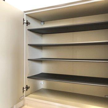 使う人ごとに棚を分けておいてもいいなあ。※写真は3階の同間取り別部屋のものです