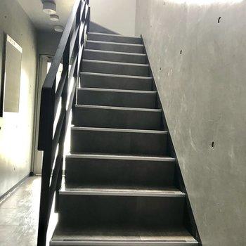 2階まで階段!