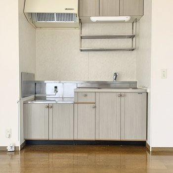 【DK】収納多めのキッチンです。
