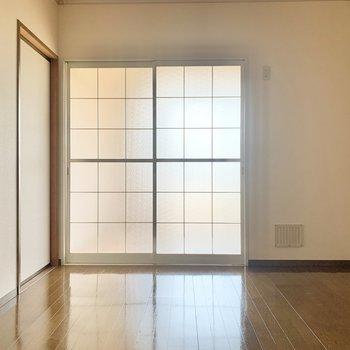 【DK】つづいて、お隣の和室へ。
