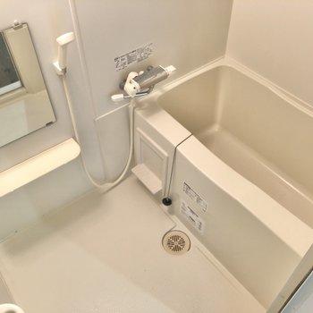 シンプルなお風呂は掃除も楽チンですね。